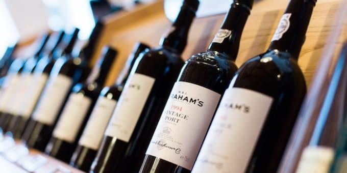 ワインが並んでいる画像